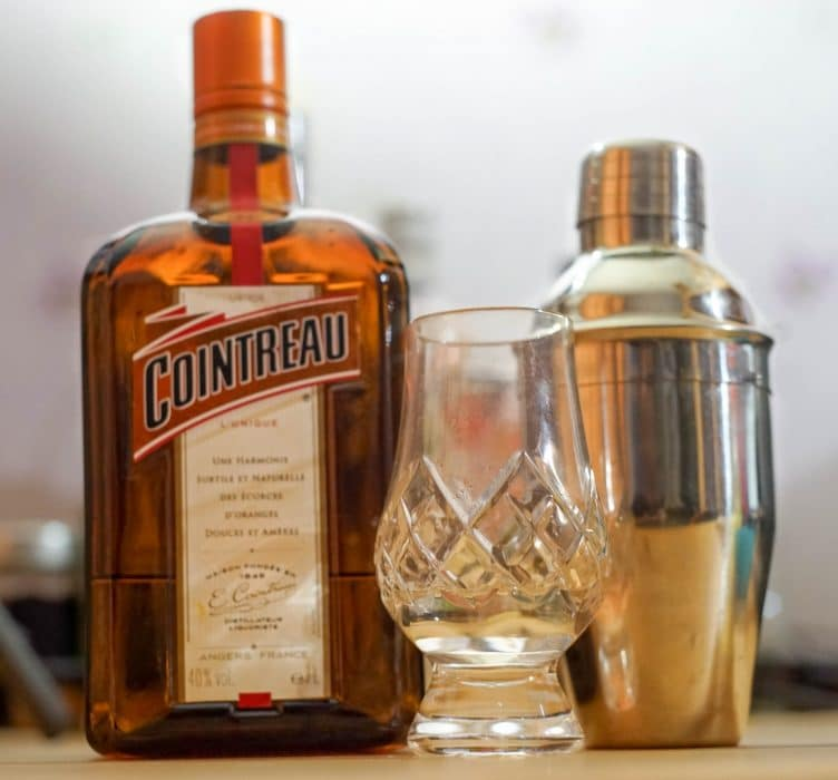 cointreau-cocktail-liqueur