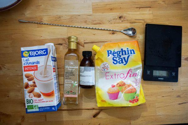 Ingredients pour la recette du sirop d'orgeat maison