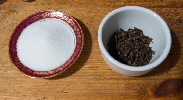 Ingrédients du sirop de clou de girofle maison