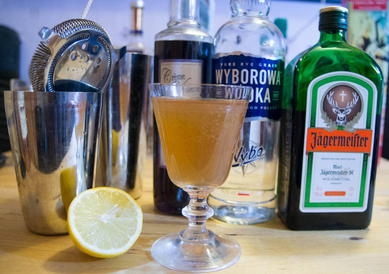 photo packshot jagerbxtch à la violette cocktail recette