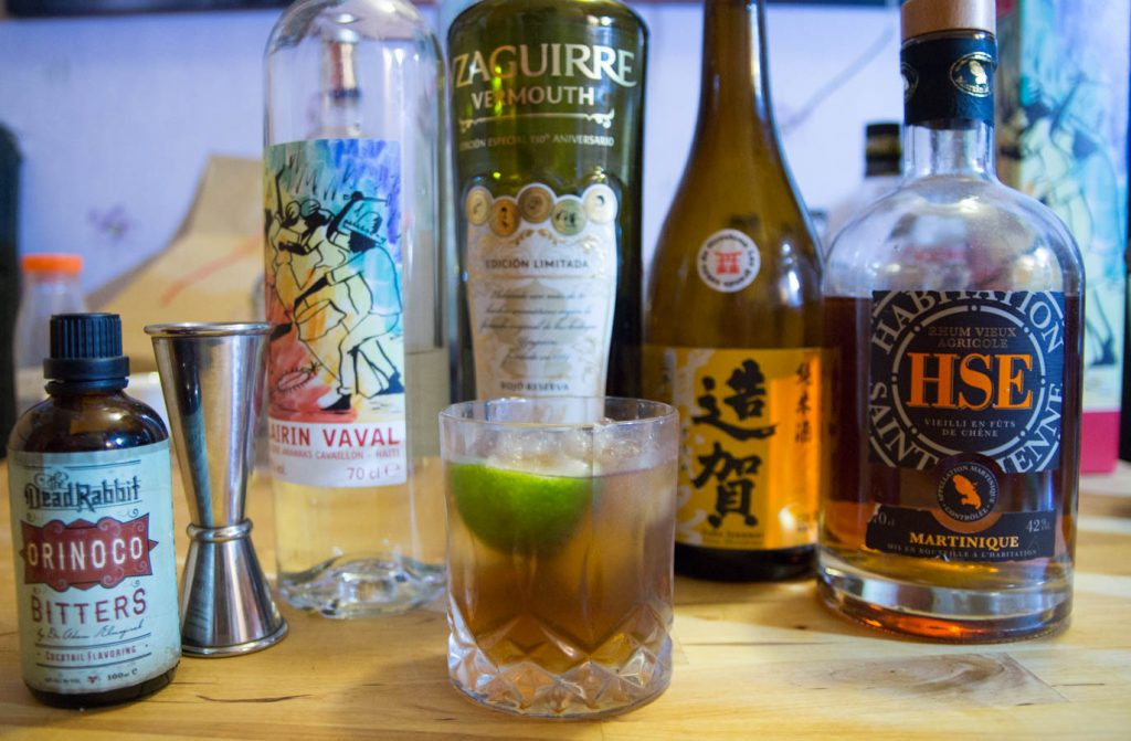 Packshot du rom arrange cocktail avec clairin, rhum, vermouth