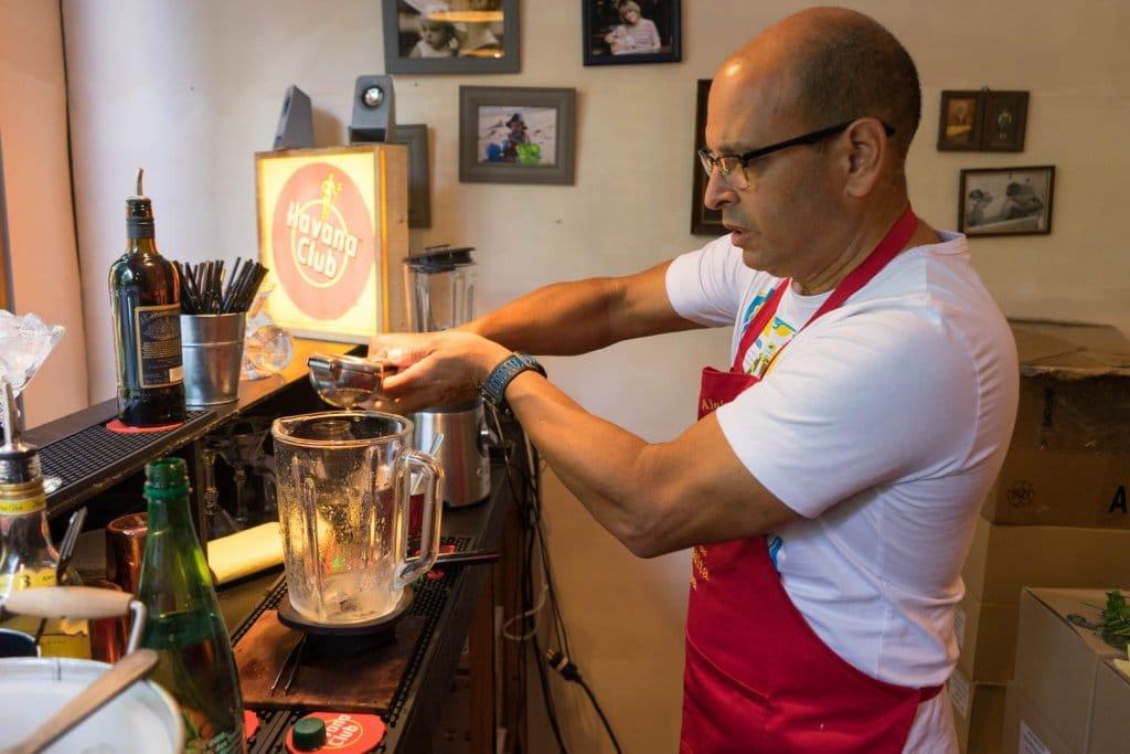 Pressage du citron pour le frozen daiquiri la floridita recette