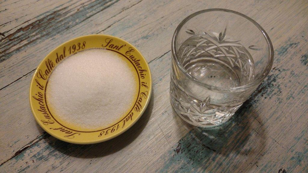 sucre et eau pour le sirop de sucre parfait colada