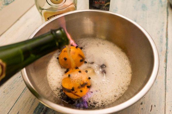 cidre dans le punch d'hiver colada