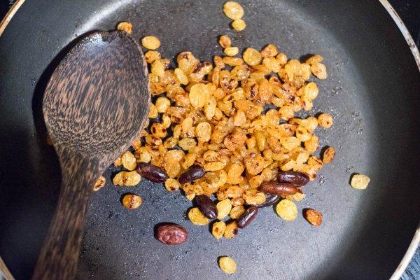 raisins secs et cacao toastés pour sirop maison colada