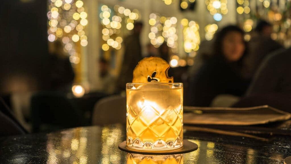 Un cocktail du Danico bar présent sur notre carte des meilleurs bars de paris