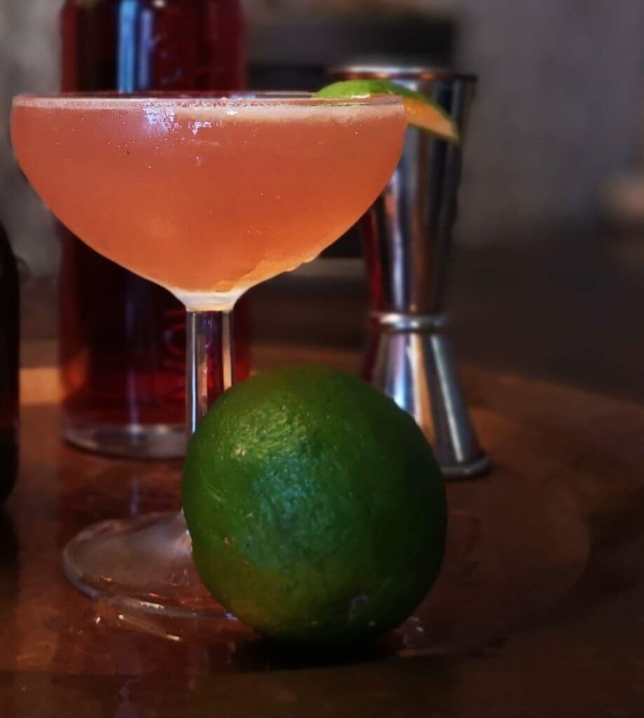 le véritable cocktail Cosmopolitan mis en avant dans cette recette