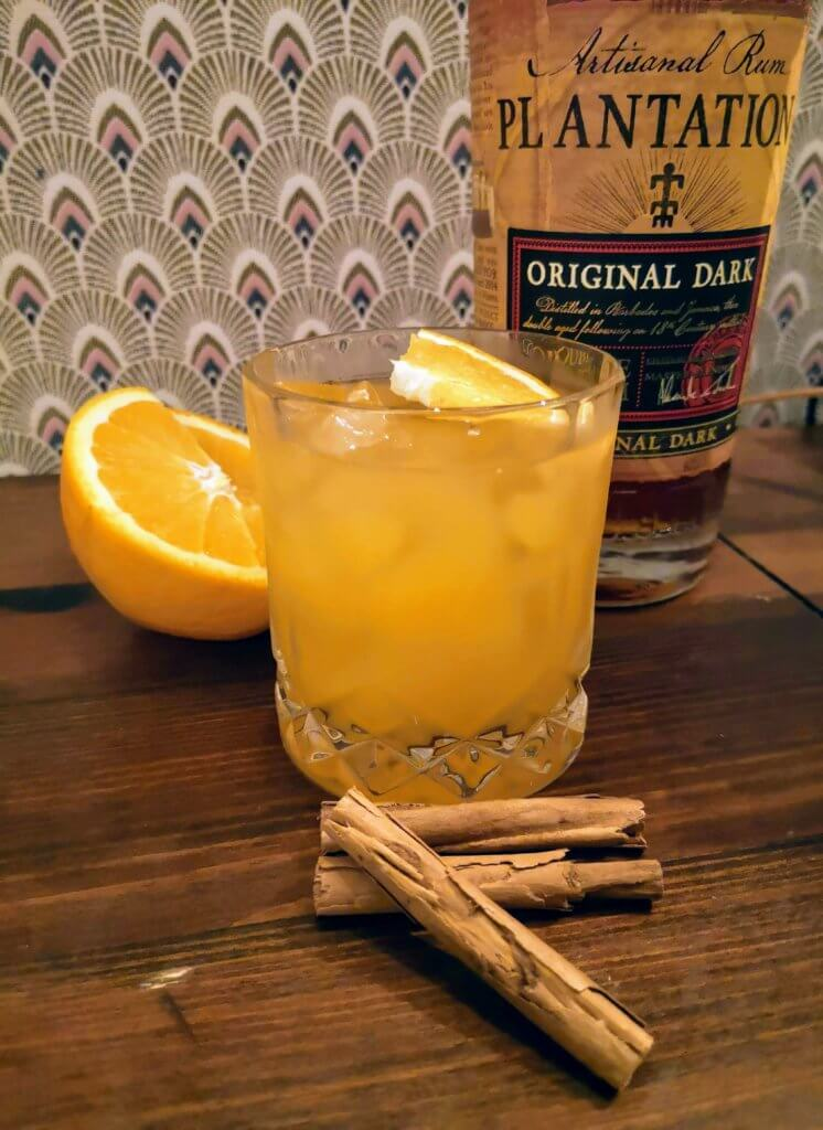 Cocktail de noel par colada, rhum, clémentine, cannelle