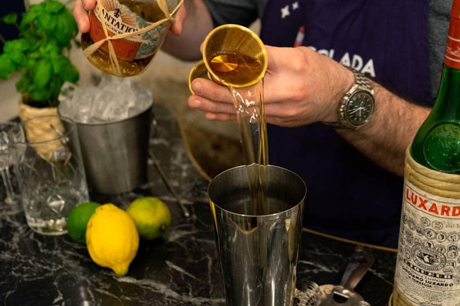 barmen de bar à cocktail evenement