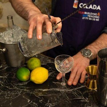 Le bartending des cocktails pour les évenements entreprise Colada